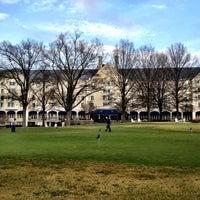 Foto tirada no(a) Washington Duke Inn & Golf Club por Mary W. em 12/9/2012