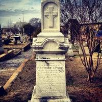 Das Foto wurde bei Oakland Cemetery von Chad E. am 3/17/2013 aufgenommen