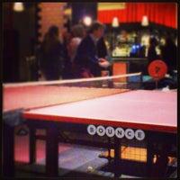 รูปภาพถ่ายที่ Bounce โดย Michele L. เมื่อ 3/16/2013