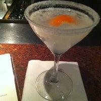 Das Foto wurde bei Houston's Restaurant von Lauren F. am 12/3/2012 aufgenommen