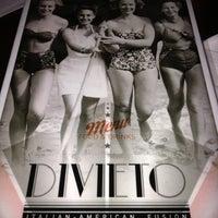 Foto tomada en Divieto Italian-American Fusion por Holly G. el 11/19/2012