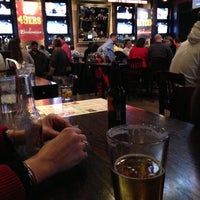 Foto tomada en Wellman's Pub & Rooftop por Joshua G. el 1/24/2013
