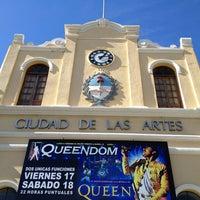 Foto tomada en Ciudad de las Artes por Jonattan O. el 5/17/2013