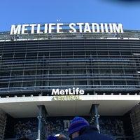 Снимок сделан в MetLife Stadium пользователем Noah D. 12/30/2012
