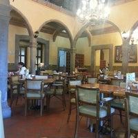 Foto tirada no(a) Restaurante La Posada Del Virrey por Omar G. em 2/25/2013