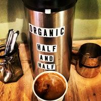 Foto tomada en Ipsento Coffee House por J C. el 1/28/2013