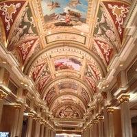 Foto scattata a Venetian Resort & Casino da Lena il 4/2/2013