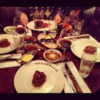 Снимок сделан в Goodman Steakhouse пользователем Jana R. 11/17/2012