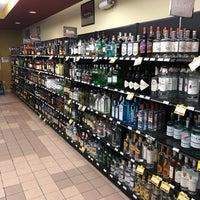Foto scattata a Colorado Liquor Mart da Tim F. il 12/24/2017