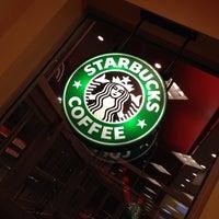 Foto tirada no(a) Starbucks por johaan! em 3/14/2014