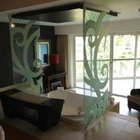 6/2/2013 tarihinde Ann N.ziyaretçi tarafından Hard Rock Hotel & Casino Punta Cana'de çekilen fotoğraf
