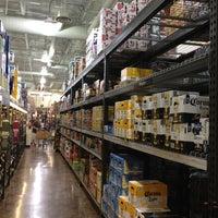 Das Foto wurde bei Total Wine & More von Vegas U. am 3/2/2013 aufgenommen