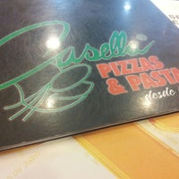 Foto tirada no(a) Casella Pizzas & Pastas por André A. em 4/15/2013