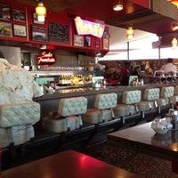 5/14/2013 tarihinde Satoshi N.ziyaretçi tarafından Pann's Restaurant & Coffee Shop'de çekilen fotoğraf