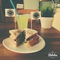 Foto tirada no(a) Cotta Coffee por BEYZANUR D. em 5/21/2014