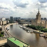 Foto tomada en Crowne Plaza por Vladimir T. el 5/31/2013