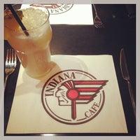 Photo prise au Indiana Café – Bonne Nouvelle par Damien T. le10/13/2013