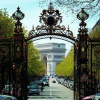 Photo prise au Parc Monceau par MikaelDorian le4/14/2013
