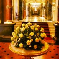 Foto tomada en Belmond Grand Hotel Europe por 💗Victoria💗Angel💗 G. el 4/25/2013