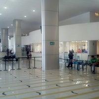 Foto tirada no(a) Registro Civil por Antonio M. em 6/7/2013