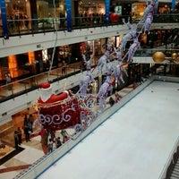 Photo prise au Pondok Indah Mall 2 par Fauzan K. le12/9/2012