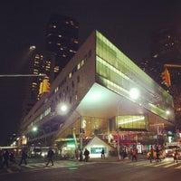 Das Foto wurde bei Alice Tully Hall at Lincoln Center von Eliane v. am 4/25/2013 aufgenommen