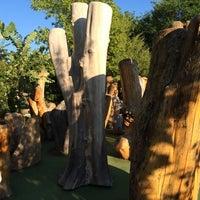 Das Foto wurde bei Big Stone Mini Golf & Sculpture Garden von Lucas M. am 8/13/2014 aufgenommen