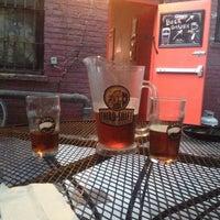 8/25/2014 tarihinde Raul F.ziyaretçi tarafından The Jar Bar'de çekilen fotoğraf