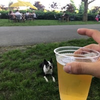 5/25/2018 tarihinde Sean L.ziyaretçi tarafından Governors Island Beer Co.'de çekilen fotoğraf