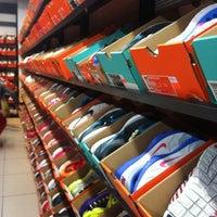 neutral madre Santo  Nike Factory Store - Av. Irarrázaval 2801