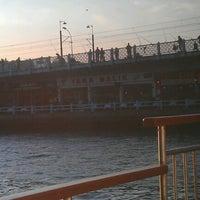 Foto scattata a Galata Ustad Cafe&Bar da musonruzgari il 12/14/2012