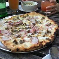 Снимок сделан в Ogliastro Pizza Bar пользователем Nancy H. 6/20/2018