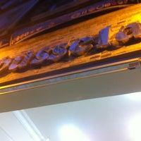 Photo prise au Babüsselam Cafe par Faruk K. le4/12/2013
