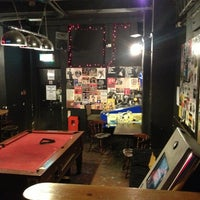 Foto tirada no(a) 12 Bar Club por Alex X. em 3/13/2013