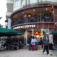 Foto scattata a Starbucks da Cigdem C. il 11/18/2012