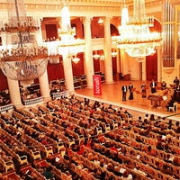 Photo prise au Grand Hall of St Petersburg Philharmonia par Irina le4/28/2013