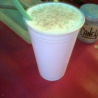 Foto tirada no(a) Coffee Break por Bella em 3/24/2013