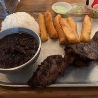 รูปภาพถ่ายที่ Super Rico Colombian Bistro โดย Marco F. เมื่อ 12/16/2019