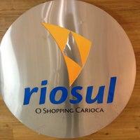 Foto tirada no(a) Shopping RioSul por Romano em 12/3/2012