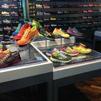 SKECHERS Retail Downtown Manhattan Beach 7 tips