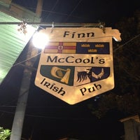 Foto tirada no(a) Finn McCool's Irish Pub por Laurel M. em 10/20/2012