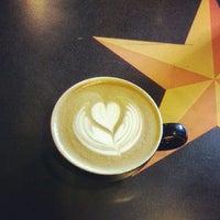5/26/2013 tarihinde Oscar D.ziyaretçi tarafından Lemonjello's Coffee'de çekilen fotoğraf