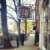 Das Foto wurde bei Orange on Roscoe at Damen von Oscar D. am 11/4/2012 aufgenommen