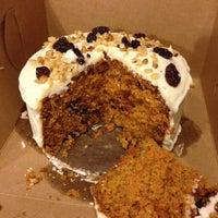 6/10/2013 tarihinde Saraziyaretçi tarafından Lloyd's Carrot Cake'de çekilen fotoğraf