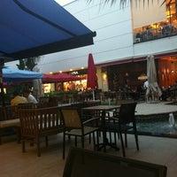 11/15/2012 tarihinde Şenay A.ziyaretçi tarafından Caffè Nero'de çekilen fotoğraf