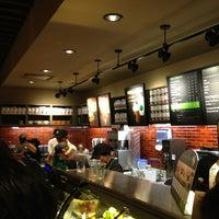Das Foto wurde bei Starbucks von Andre R. am 9/1/2013 aufgenommen
