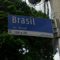 Foto diambil di Avenida Brasil oleh Állan G. pada 11/17/2012