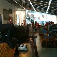 Foto tirada no(a) Café Analog por Jacques H. em 3/3/2011