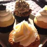 4/20/2013에 Daniel B.님이 FairyLand Cupcakes에서 찍은 사진