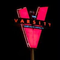 Foto tirada no(a) The Varsity por Summer H. em 3/9/2013